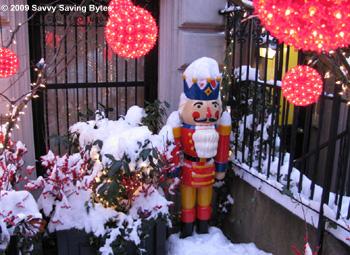 nutcracker-snow-xmaslites
