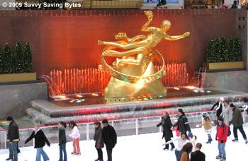 rockefeller-skaters-statue