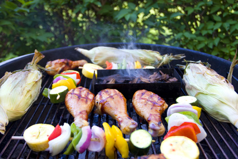 grilling-chicken-legs-veges