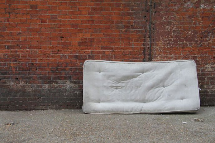 how to get rid of an old mattress and box spring