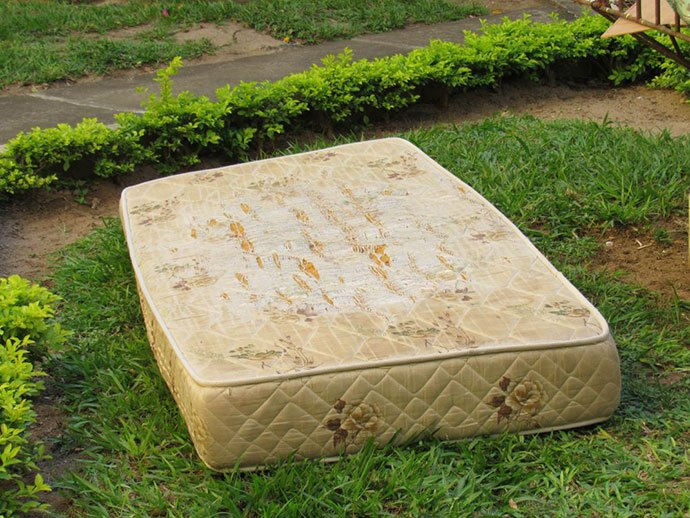 how to get rid of a mattress near me